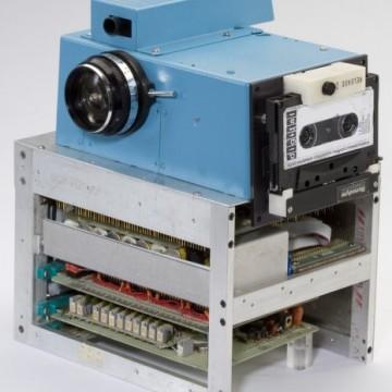 Imagen en color de la primera cámara fotográfica digital de la historia.